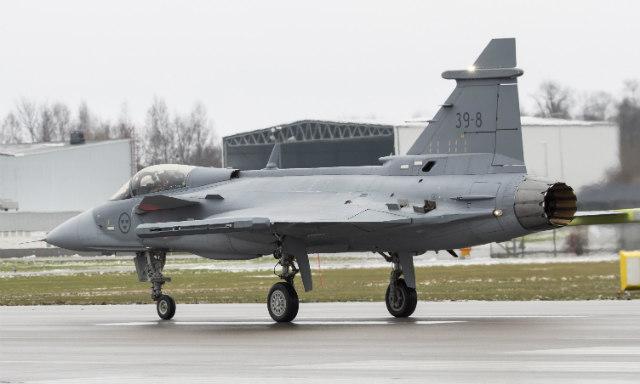 SAAB diz que Gripen NG voará antes de junho e mostra entusiasmo com perspectivas na Colômbia e nas Filipinas