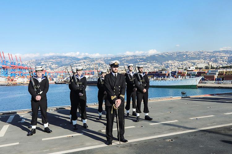 Porta-helicópteros da 'Royal Navy' oferecido à Marinha do Brasil ainda cumprirá uma última comissão de grande envergadura, no fim deste ano, antes da baixa