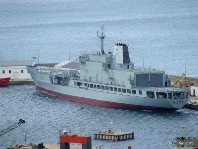 Enguiço de navio de apoio logístico no Norte de Moçambique abre debate sobre a incapacidade da Marinha sul-africana de manter os seus barcos adequadamente