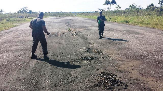 Isolamento na fronteira! Comando de Fronteira do Acre recupera, em caráter emergencial, pista de pouso junto à fronteira com o Peru