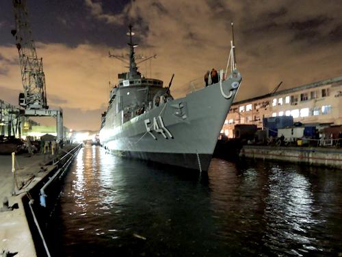 A recuperação de meios: MB trabalha para ter a 'Defensora' de volta até o fim de março de 2018, e tenta resgatar ao menos três cascos da classe Macaé