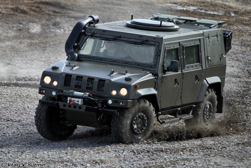 Rússia desloca mais veículos blindados  Iveco LMV para a Síria