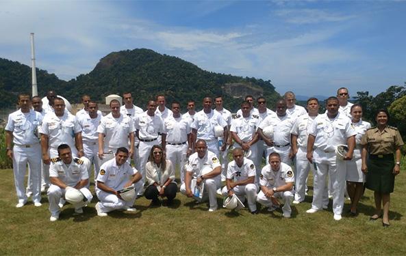 Alunos do curso de Defesa NBQR visitam central nuclear