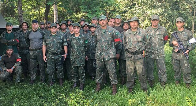 Marinha do Brasil simula retomada de área dominada por facção no Pantanal