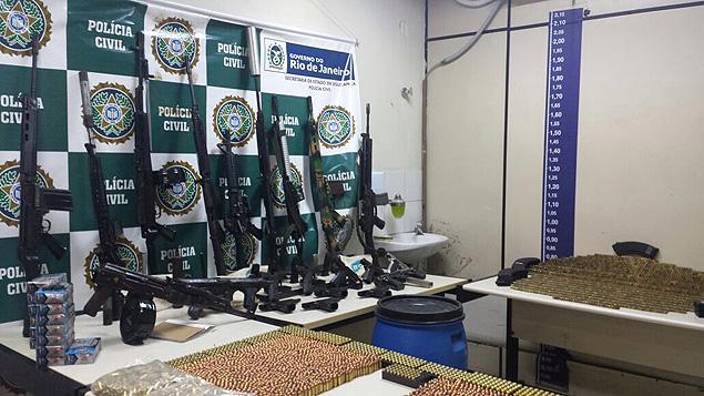 Polícia do RJ retirou das mãos de criminosos quase 2,7 mil fuzis em dez anos