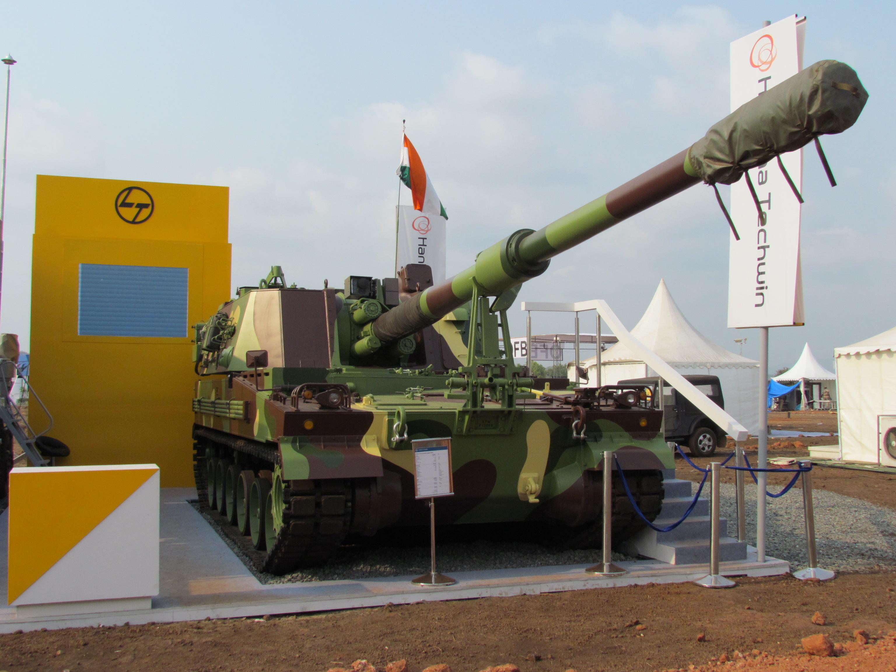 A Índia e  Coreia do Sul assinam contrato para a criação de uma joint venture para fabricar o obuseiro autopropulsado K9 Vajra-T de 155mm