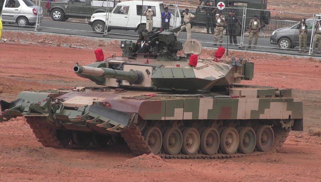 TECNOLOGIA: Problemas de projeto do tanque Arjun Mk. 2, um 'monstrengo' de quase 69 toneladas, desanimam o Exército da Índia
