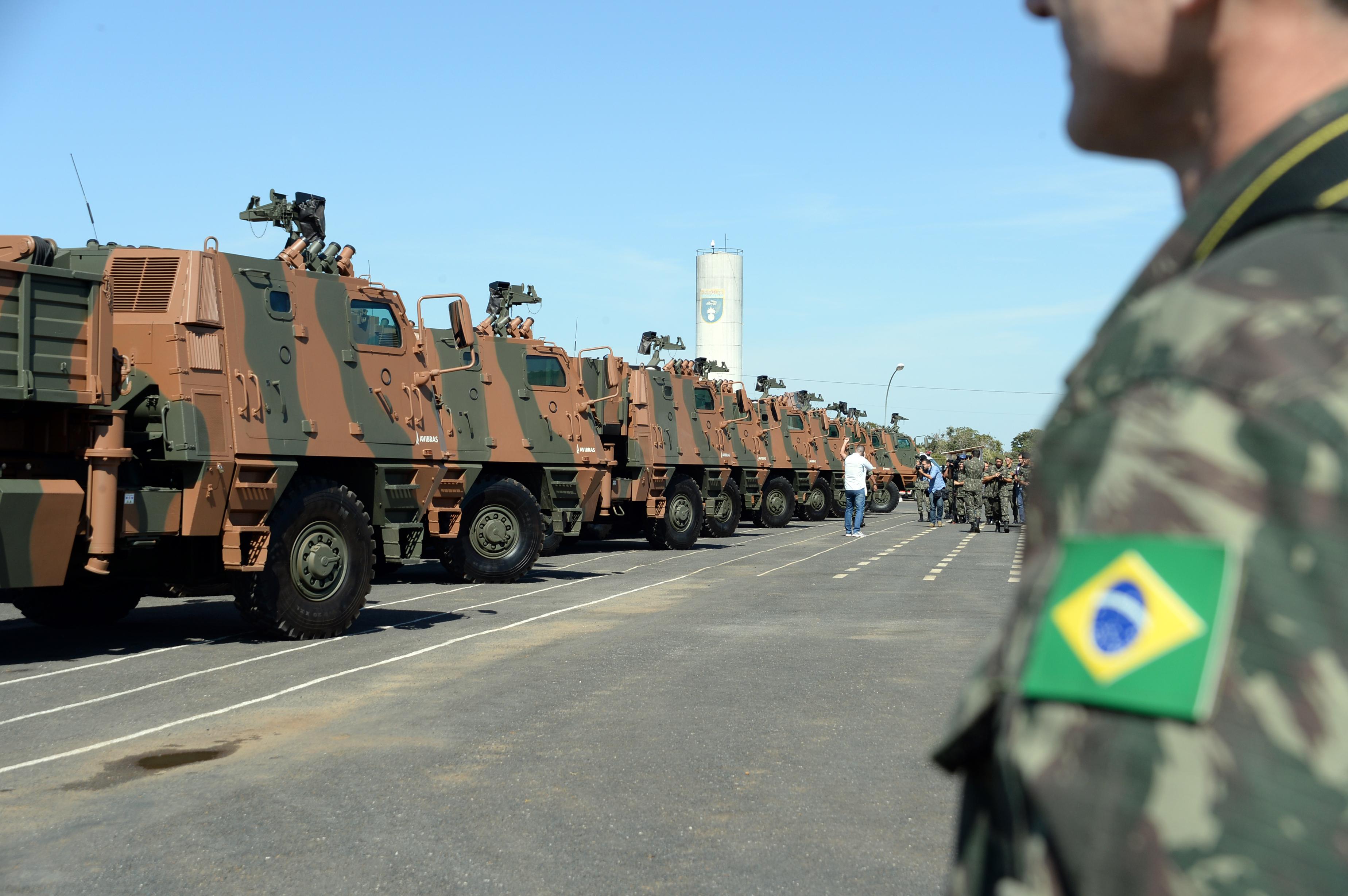 Na contramão de tendência mundial, Brasil reduz gastos militares em 2016