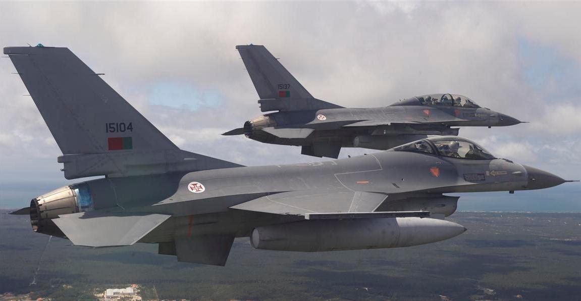 YanevF-16portugu%C3%AAs.jpg