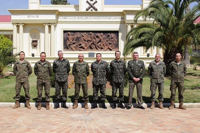 Exército Brasileiro participa de intercâmbio de especialistas em Defesa Química, Biológica, Radiológica e Nuclear (DQBRN) na Espanha.