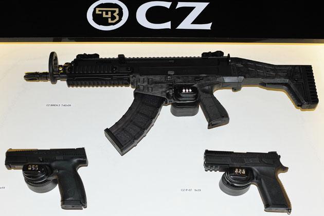 Grupo de Intervenção da Polícia Francesa (GIGN) seleciona o Fuzil Checo CZ-807 BREN 2 calibre  7,62 x39 mm.