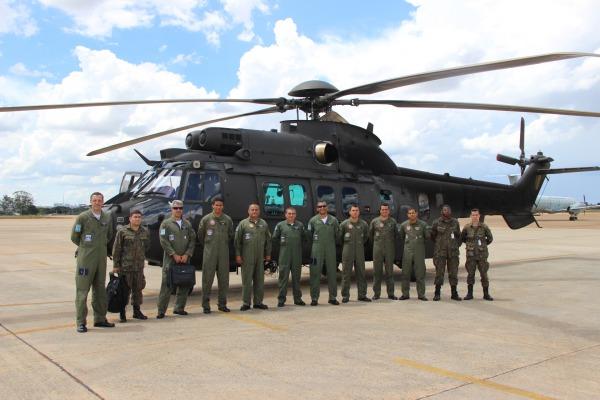 FAB realiza testes para inserção de helicópteros do Exército no sistema Link BR-1