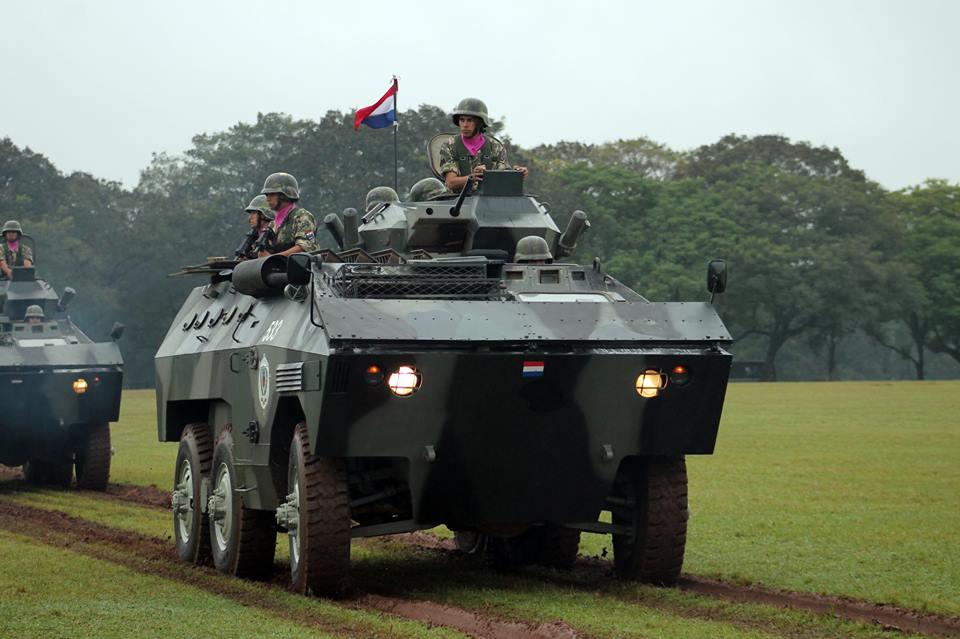 'Por Diós!…' Veículos sem bateria, de elétrica improvisada, com poucos suprimentos e má manutenção: eis o retrato da unidade que concentra a maior frota de blindados do Exército Paraguaio…