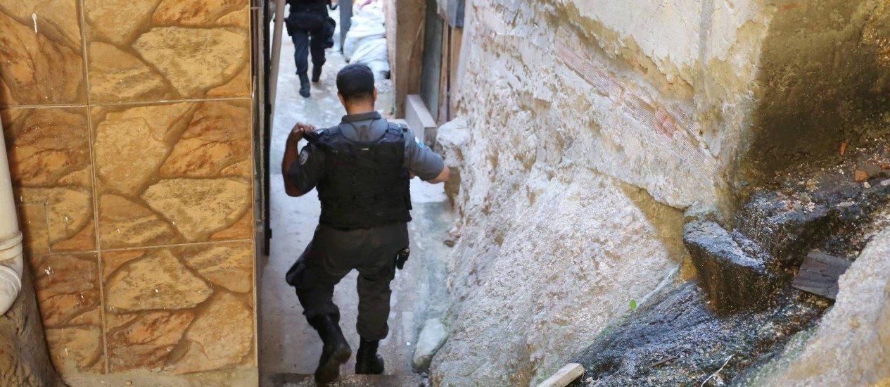 Segurança Publica: PMERJ admite que nove sargentos estão sob suspeita de ligação com o tráfico da Cidade Alta
