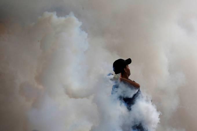Governo embarga exportação de gás lacrimogêneo para Venezuela