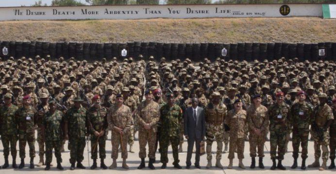 Nigéria treina um batalhão de elite quase inteiro no Paquistão para reimpulsionar o seu esforço anti-guerrilha (que ainda tem em aberto a compra dos Super Tucanos)