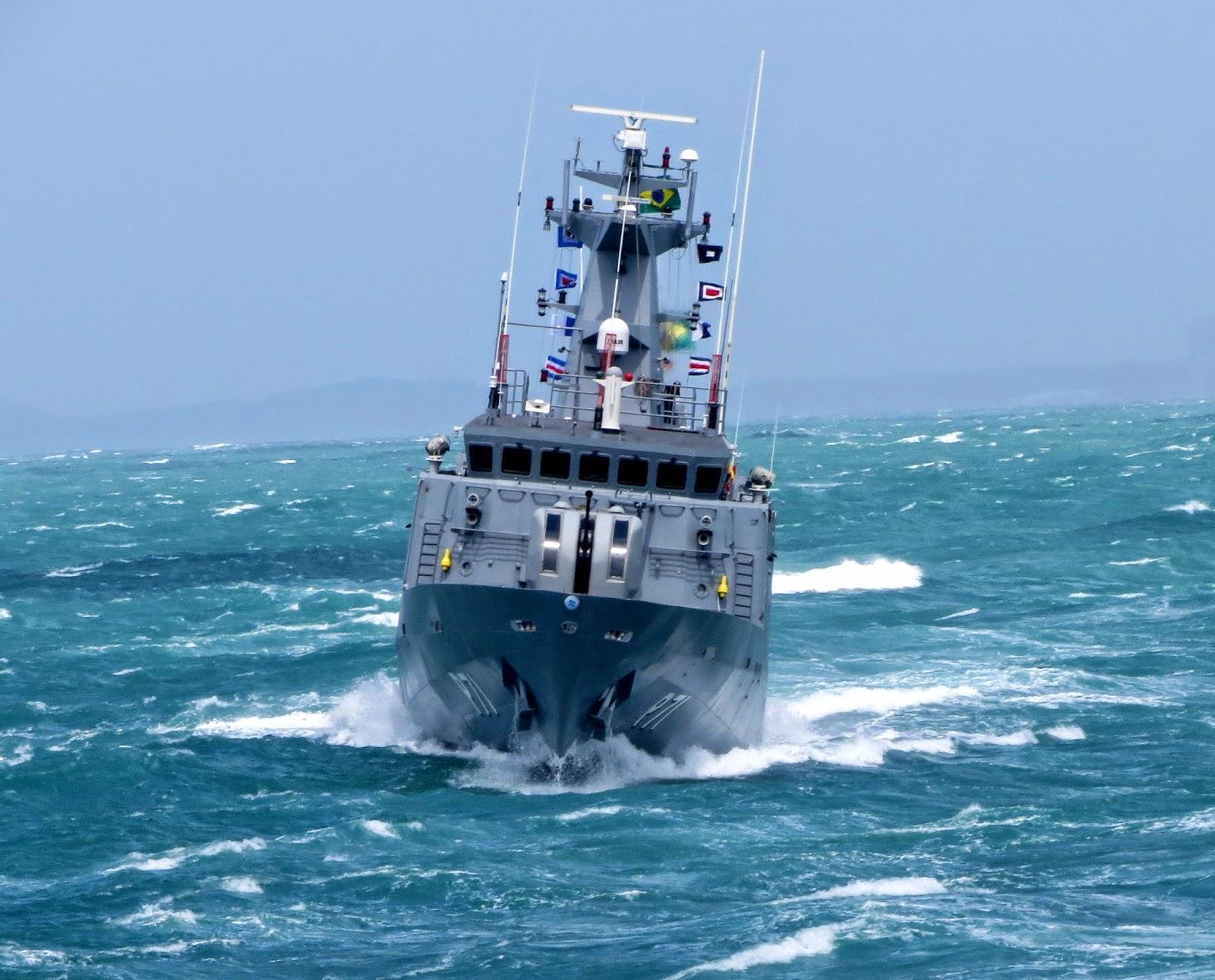 LEITURA DE SÁBADO: 'Patrulha e Dissuasão'. No espaço INSIDER/Parceria, o colaborador Luiz Monteiro defende a opção da MB por submarinos e navios-patrulha