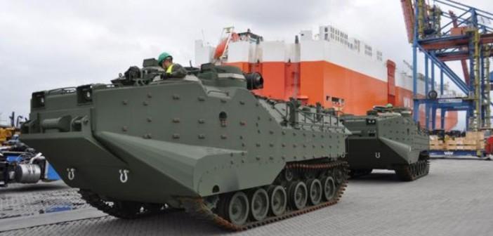 Fuzileiros Navais recebem os  primeiros  CLAnf ( AAV-7A1) configurados no padrão RAM/RS