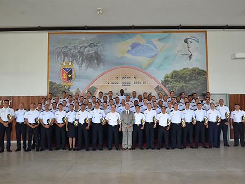 ADSUMUS: Centro de Instrução Almirante Sylvio de Camargo (CIASC) realiza formatura do curso de especialização em Guerra Anfíbia