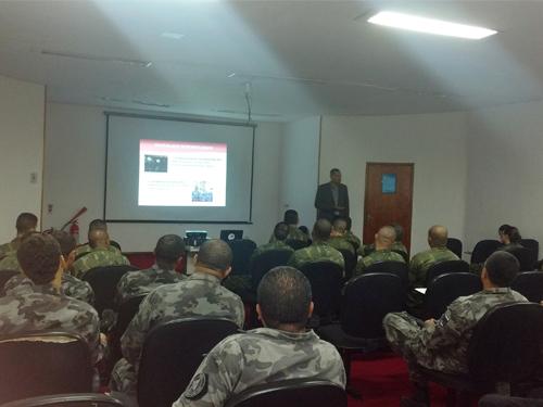 ADSUMUS: Grupamento de Fuzileiros Navais do Rio de Janeiro (GptFNRJ) promove palestra sobre uso de cães em operações