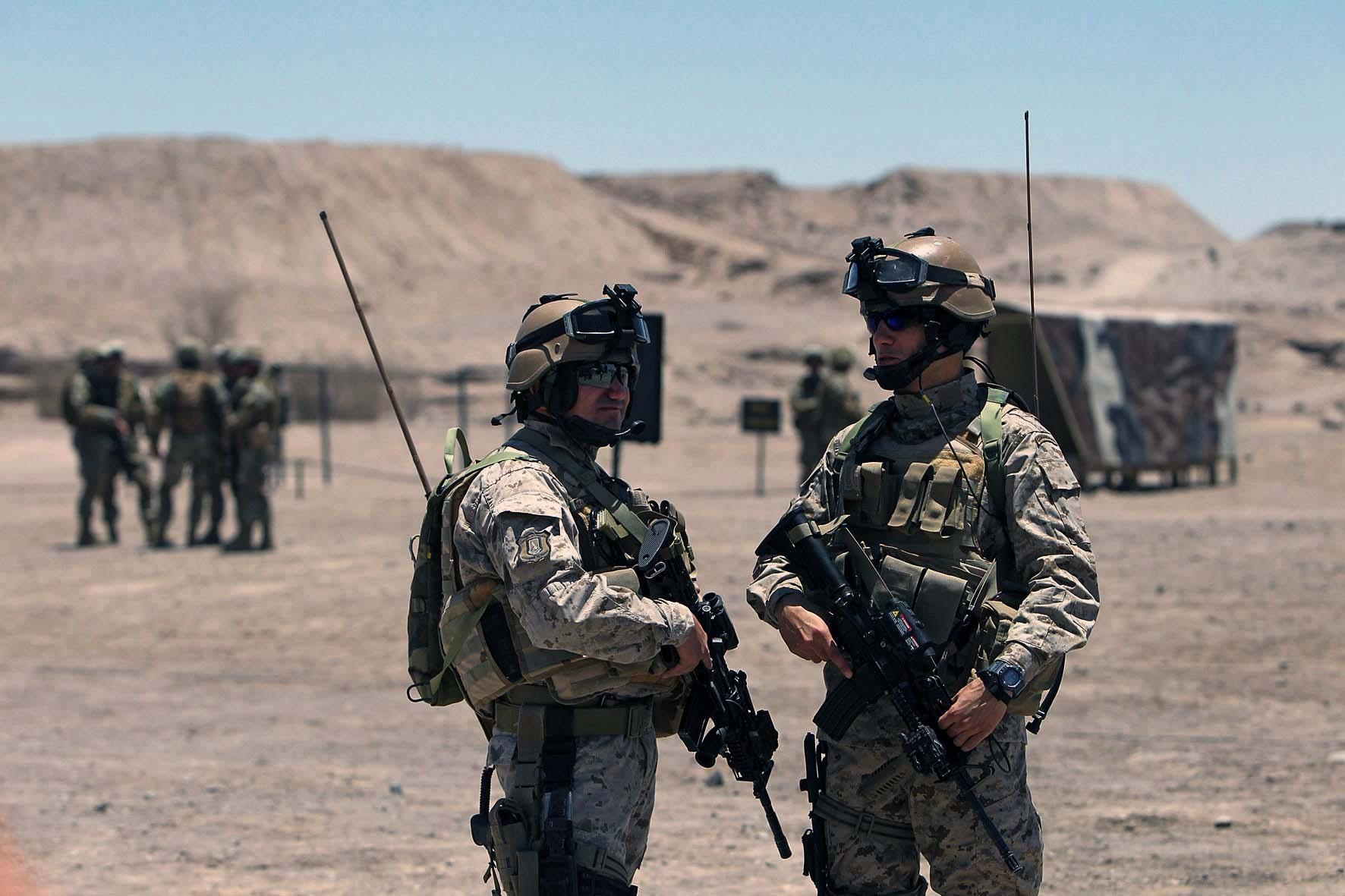 SENTINELAS DO DESERTO: Veja como é o trabalho do Exército Chileno no patrulhamento da Fronteira Norte.