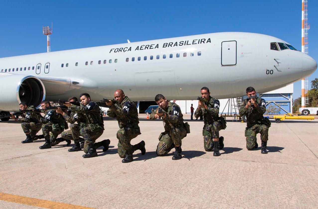 Empresa dona do Boeing 767 usado pela Força Aérea Brasileira não pode voar no Brasil