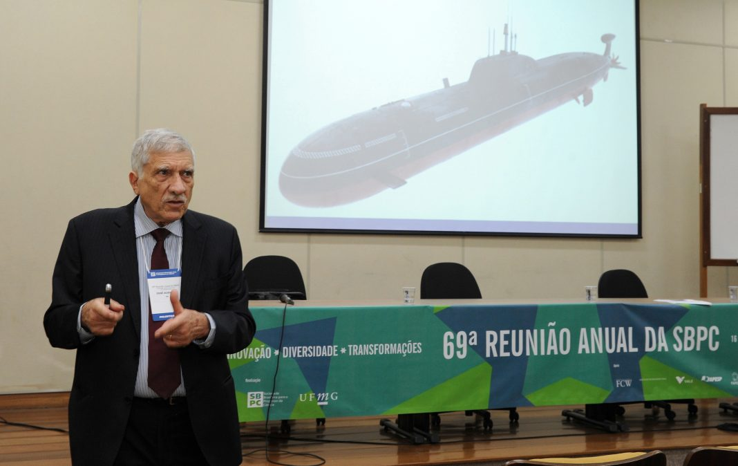 Comandante da Marinha defende projeto de submarino nuclear