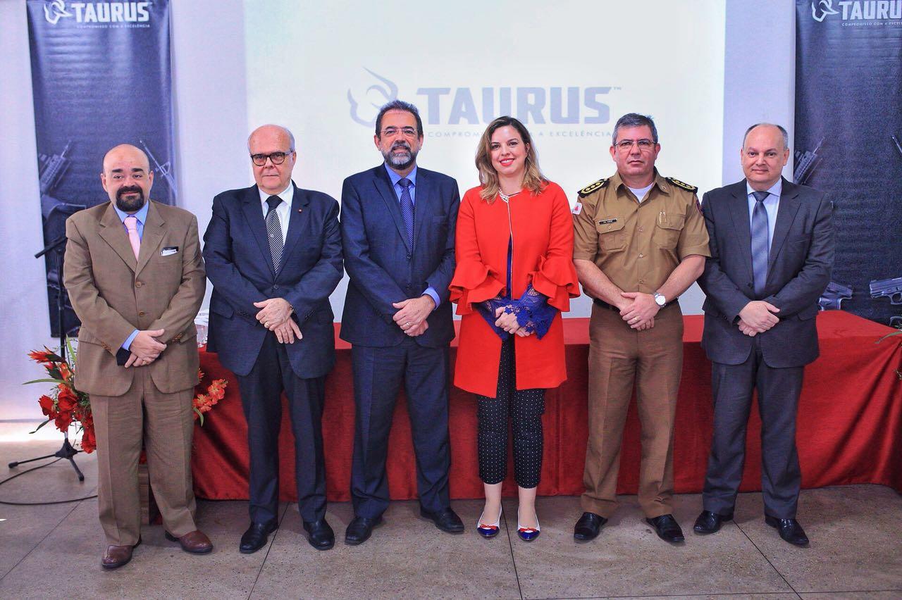 Taurus realiza evento no 5º Batalhão da Polícia Militar de Minas Gerais.