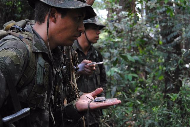 Welcome to the Jungle: 12ª Brigada de Infantaria Leve (Aeromóvel) – 12ª Bda Inf L atuando na selva amazônica