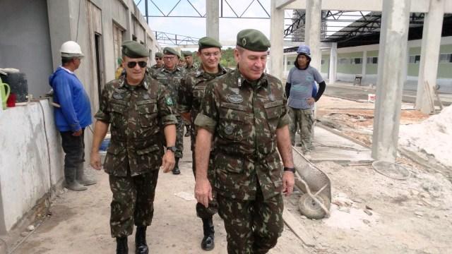 """Comando Militar do Norte visita obras da  """"Brigada da Foz do Amazonas"""" no Amapá"""