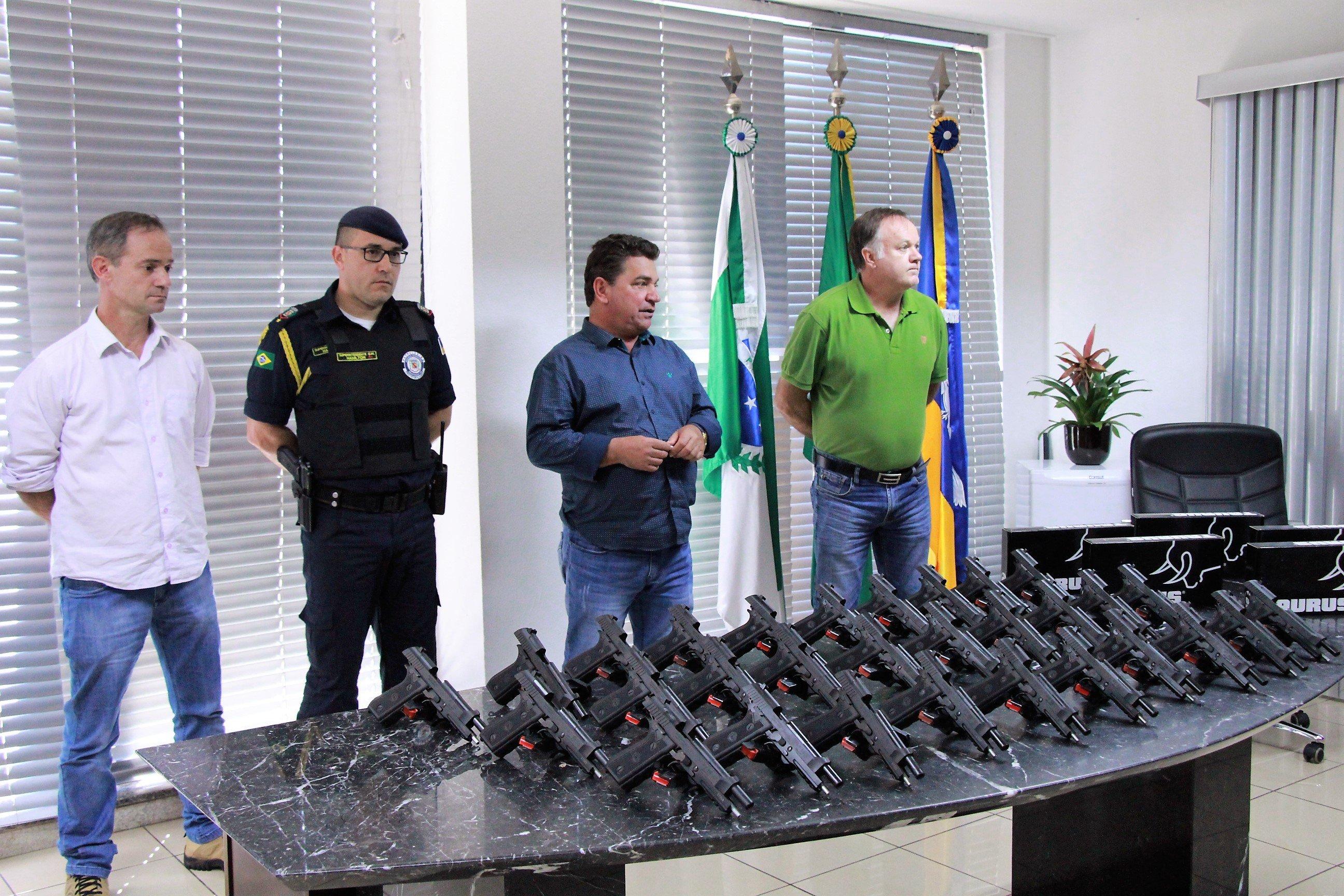 Guarda Municipal de Arapongas (PR) adquire pistolas  Taurus PT-59 calibre 380