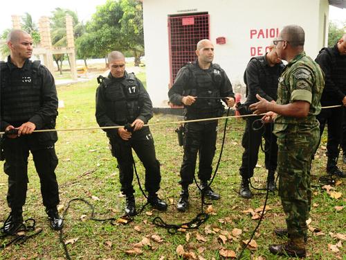ADSUMUS: Grupamento de Fuzileiros Navais de Natal (GptFNNa) ministra módulo de Operações Ribeirinhas