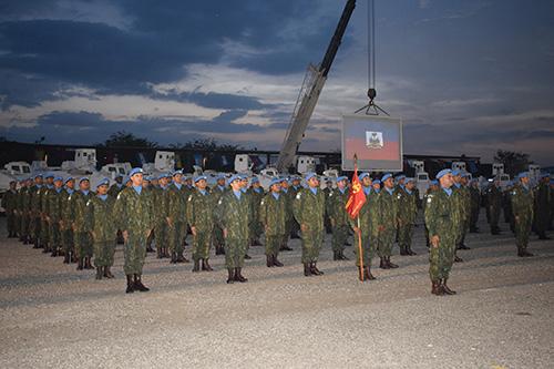 """ADSUMUS : Fuzileiros Navais  do 26° Contingente do Grupamento Operativo de Fuzileiros Navais no Haiti são agraciados com """"Medalha das Nações Unidas"""