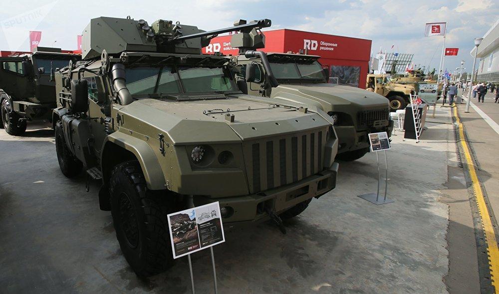 Army-2017: Kamaz  apresenta sua família de veículos blindados Typhoon  4×4