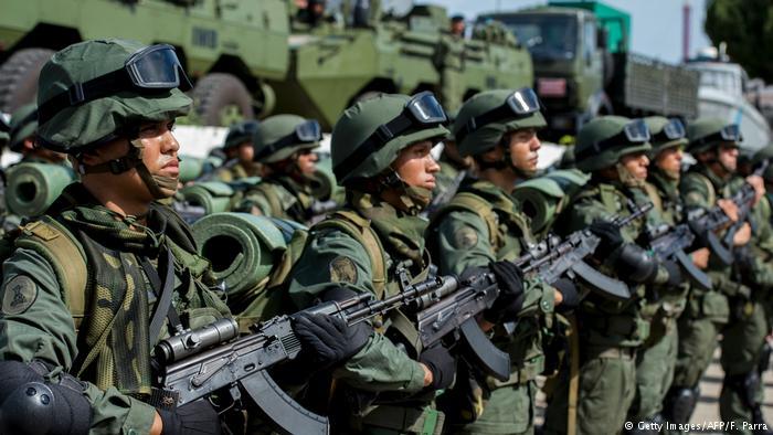 O perigo latente das armas militares da Venezuela