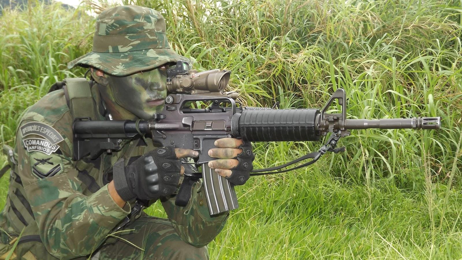 ADSUMUS : Veja como os Fuzileiros Navais se preparam para ações contra o crime organizado