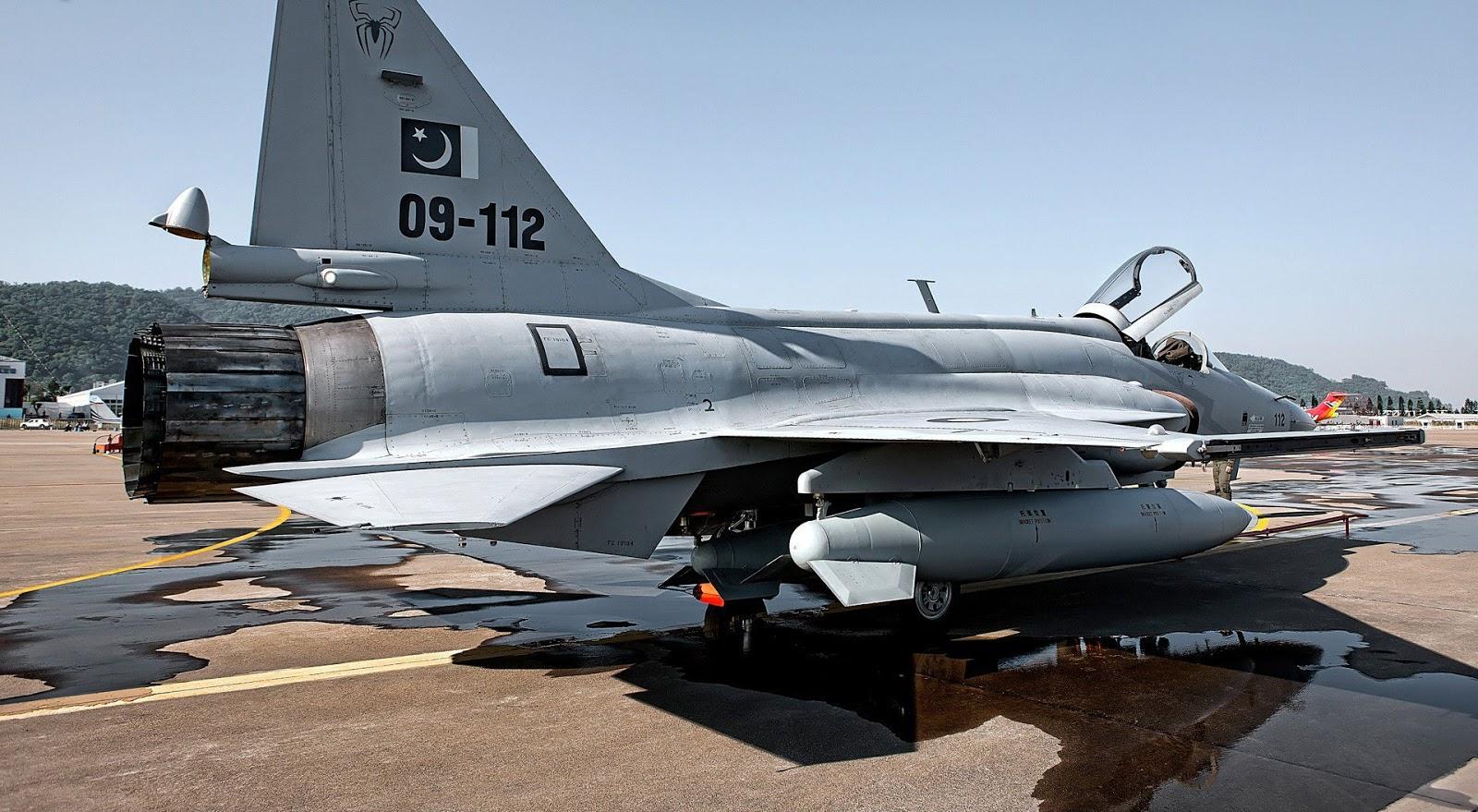 Especialista afirma: fabricantes do caça sino-paquistanês JF-17 'Thunder' mantém a Força Aérea da Argentina no radar