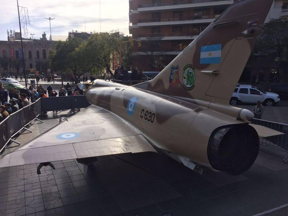 Leitura de Sábado: Gratidão imorredoura! Argentinos condecoram a Força Aérea Peruana e um pescador espanhol pela ajuda prestada durante a Guerra das Malvinas