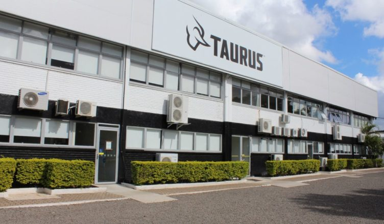 Conheça a fábrica da Taurus no Rio Grande do Sul
