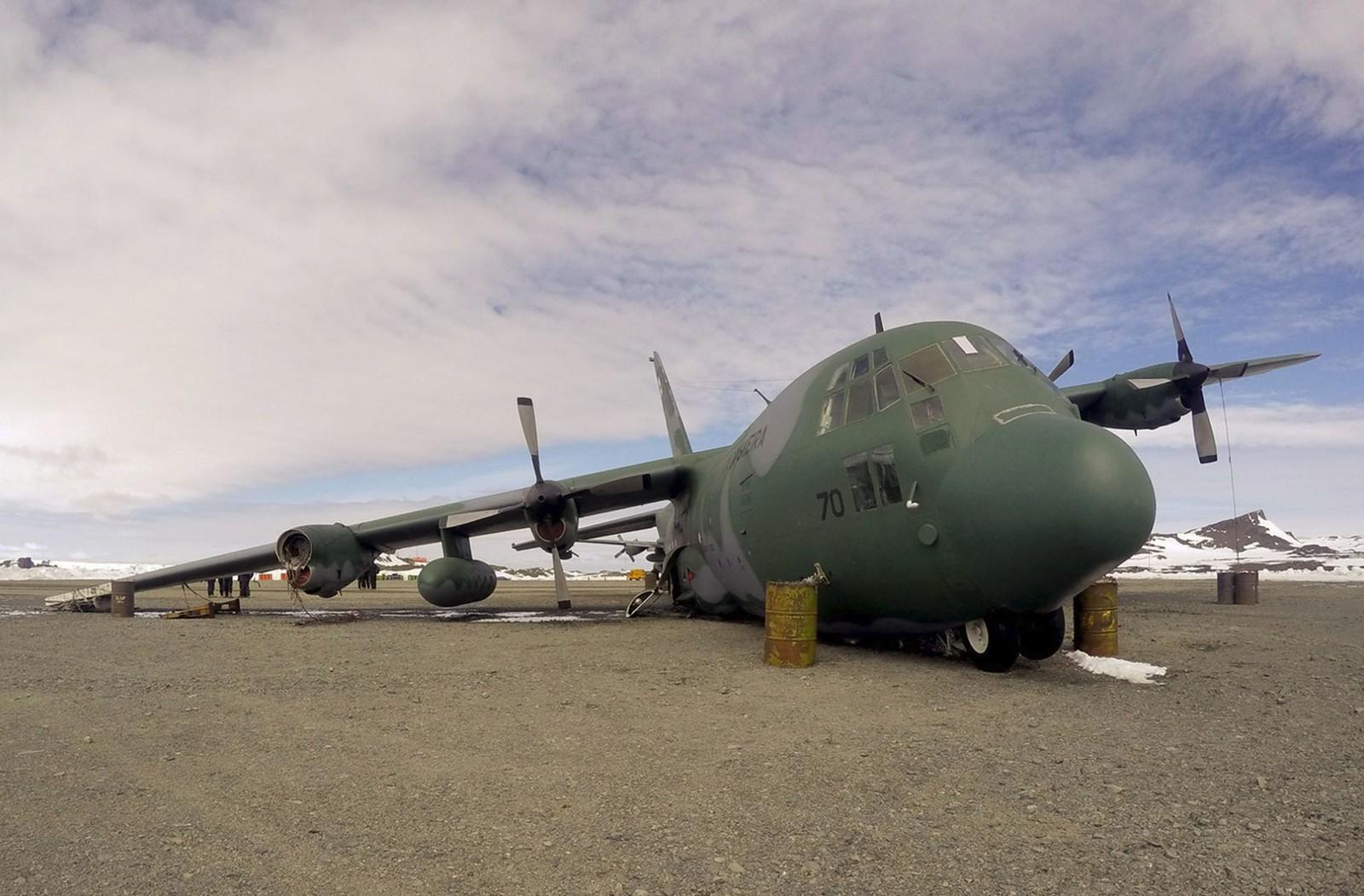Força Aérea Brasileira desmancha C-130 Hércules que havia se acidentado na Antártica em 2014.