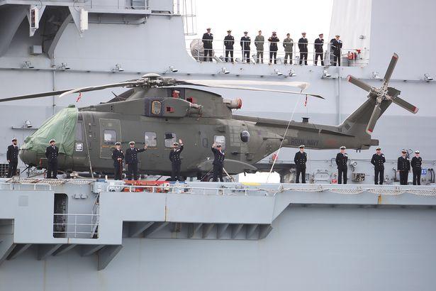 Porta-helicópteros oferecido ao Brasil suspende para a última missão a serviço da 'Royal Fleet'; MB decide envolver comissão que cuidava da reforma do 'São Paulo' na avaliação técnica do navio britânico