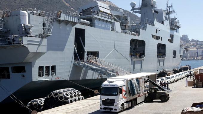 GALERIA: Porta-helicópteros 'Ocean' já navega para o Caribe devastado pelo 'Irma', levando helicópteros de carga incumbidos de acelerar ajuda aos desabrigados (veja as fotos, ministro Jungmann…)