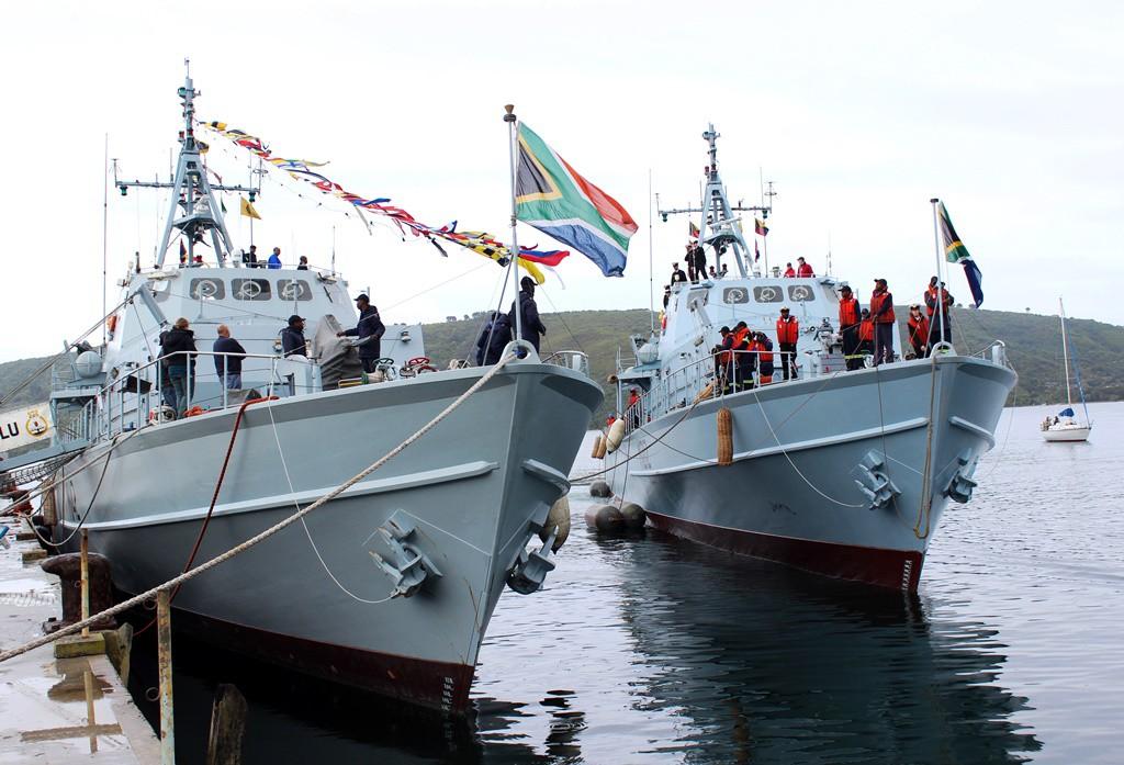 Exemplo! Departamento de Defesa sul-africano começa a estudar a implantação de uma Guarda Costeira, que assumirá vários dos encargos hoje atribuídos à Marinha local