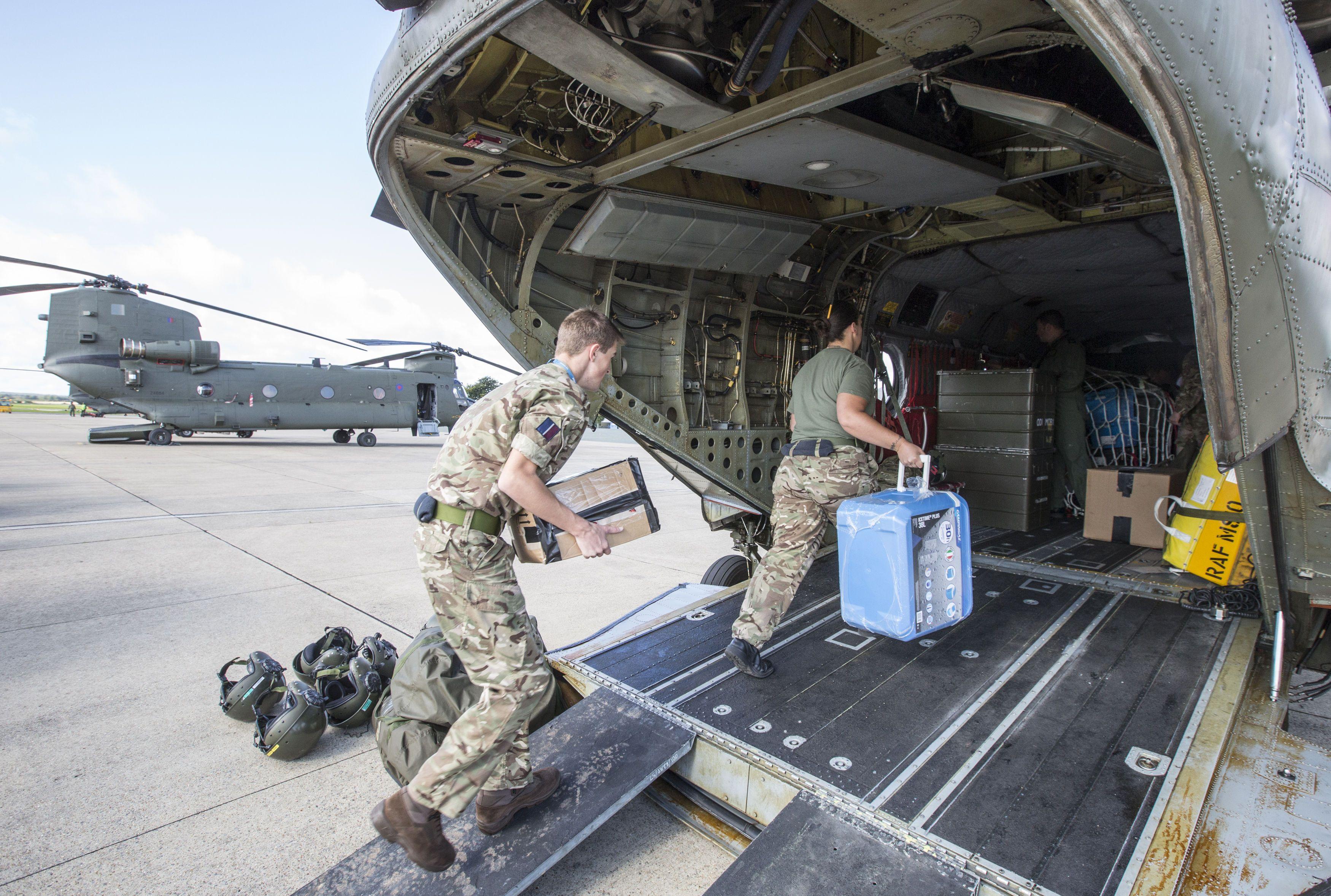 A emergência decretada pelo furacão 'Irma': HMS 'Ocean' chega a Gibraltar amanhã, para embarcar os suprimentos que serão levados às vítimas da devastação no Caribe