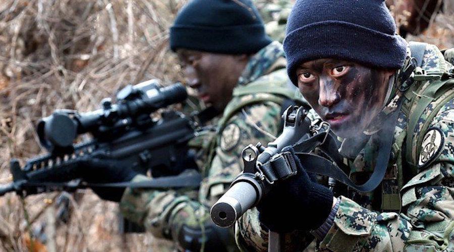 LEITURA DE SÁBADO: Fuzileiros Navais de pronta resposta! Seul eleva a regimento sua força de 'marines' apta a alcançar qualquer ponto da Península Coreana em 24 horas!