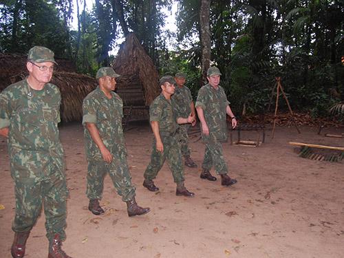 ADSUMUS: Comandante-Geral do Corpo de Fuzileiros Navais visita organizações militares do Com4ºDN
