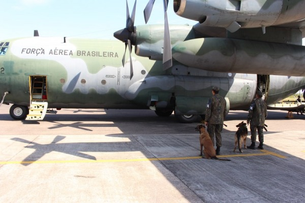 FAB PÉ DE POEIRA:  Grupo de Segurança e Defesa da Ala 8 realiza operação em presídios