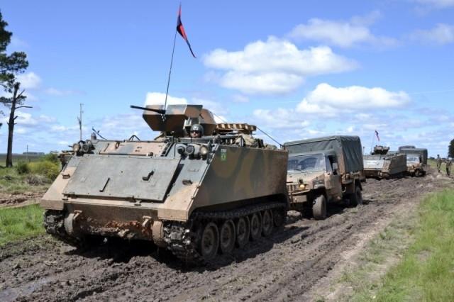 Sexta-feira Quente! 'Divisão Encouraçada' vai empregar tanques Leopard 1 A5, blindados antiaéreos Gepard 1 A2 e o Astros 2020 em disparos de adestramento para ações táticas