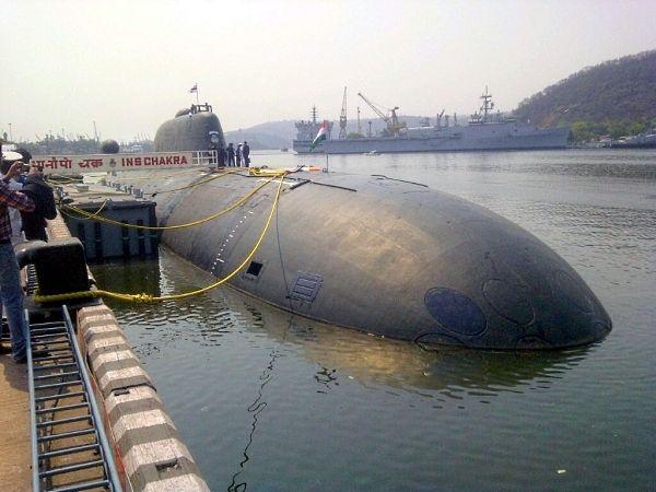 A polêmica do 'Chakra'! Submarino nuclear indiano que danificou o domo do sonar pode estar voltando à Rússia, mas não por causa do acidente, e sim em razão de uma suspeita de espionagem…
