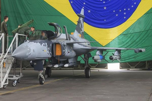 SAAB GRIPEN: Fábrica de peças de caça brasileiro fica na promessa